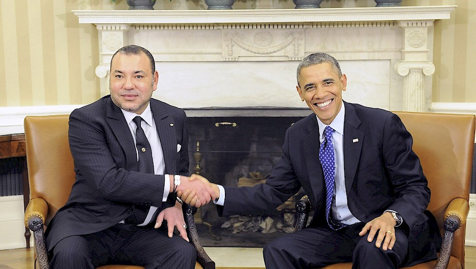 King Mohammed VI of Morocco (L) and U.S. President Barack Obama shake hands. Photo: Cordon Press